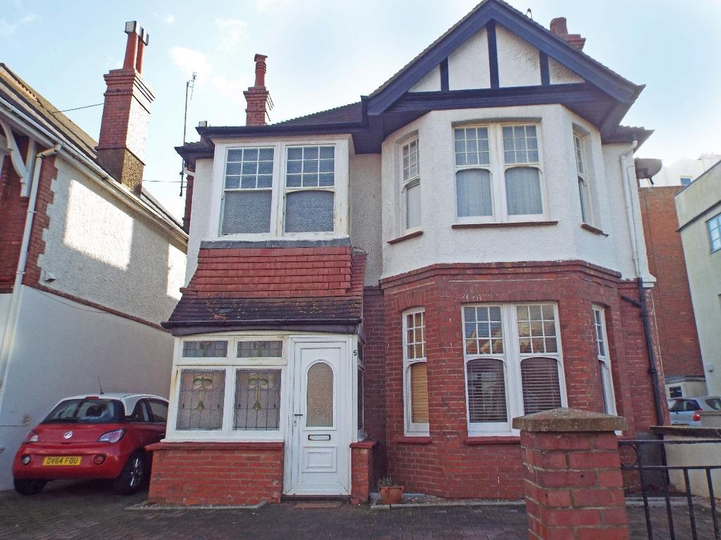 4 Bedrooms Detached House for sale in Vallance Gardens Hove East Sussex BN3