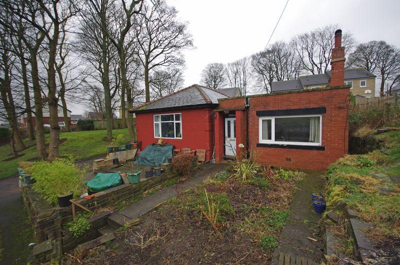 3 Bedrooms Detached Bungalow for sale in Fore Lane Avenue, Sowerby, HX6 1AZ