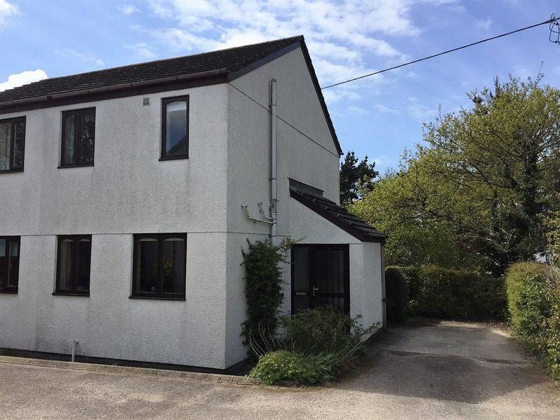 2 Bedrooms Semi Detached House for sale in Playing Place, Truro