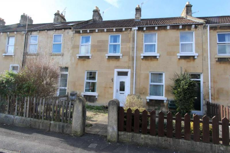 3 Bedrooms Terraced House for sale in Lorne Road