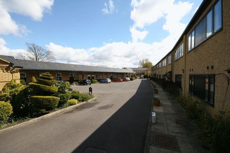 2 Bedrooms Retirement Property for sale in Beaumont Village, Aldershot