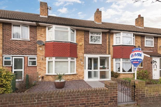 3 Bedrooms Terraced House for sale in McLeod Road, Abbey Wood, SE2