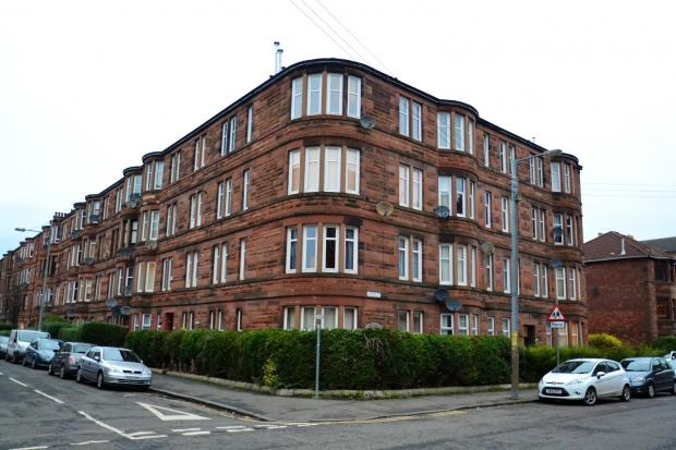 2 Bedrooms Flat for sale in Dundrennan Road, Langside, G42