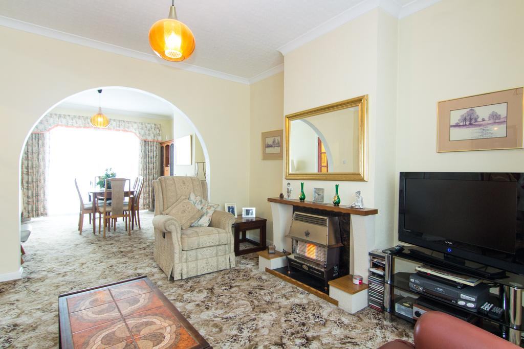 3 Bedrooms House for sale in Braid Avenue, Acton