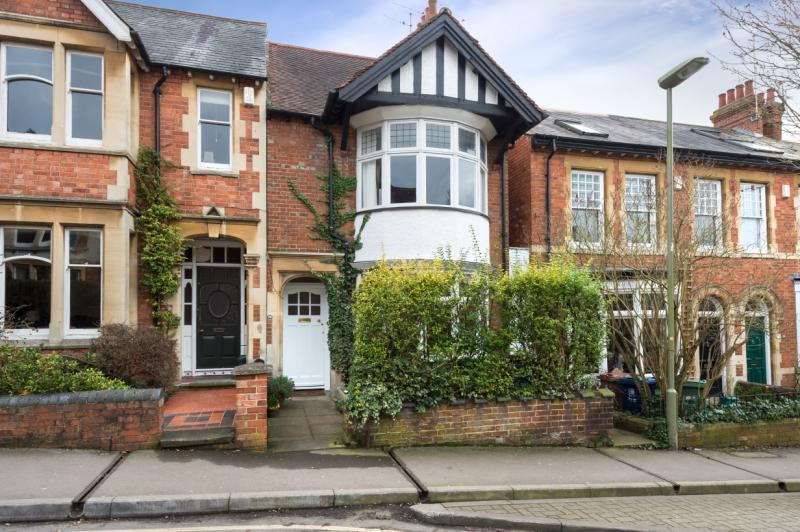 4 Bedrooms Semi Detached House for sale in Divinity Road, Oxford, Oxfordshire