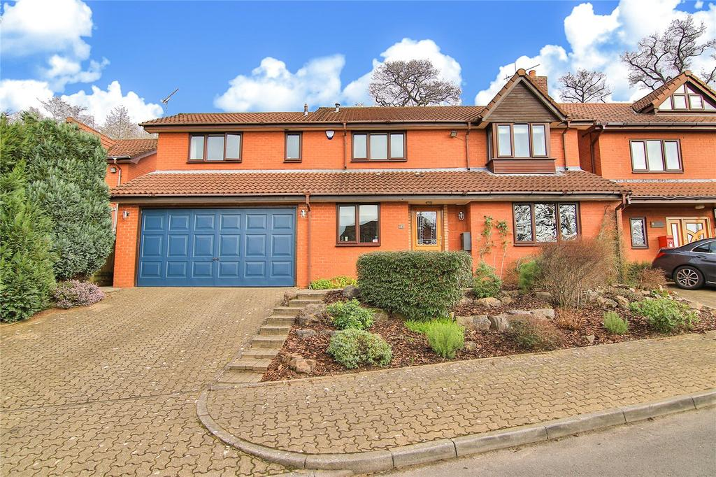 5 Bedrooms Detached House for sale in Churchill Close, Lisvane, Cardiff, CF14