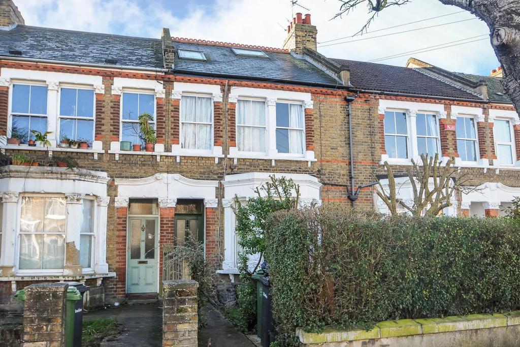 4 Bedrooms Semi Detached House for sale in Effingham Road, Lee, SE12