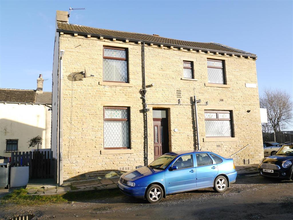 2 Bedrooms House for sale in Cutler Heights Lane,Cutler Heights, BD4 9JG