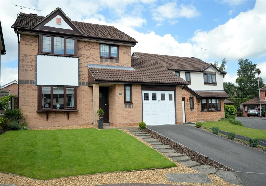 3 Bedrooms Detached House for sale in Brookfield, Haslington