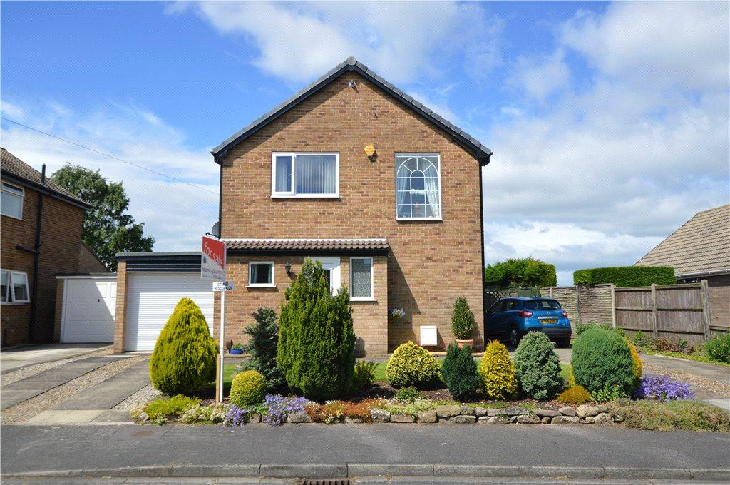 3 Bedrooms Detached House for sale in Moor Side, Boston Spa, Wetherby, West Yorkshire