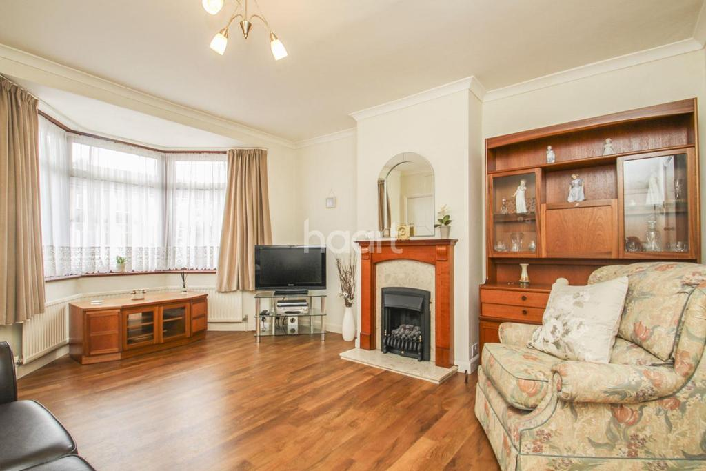 3 Bedrooms Terraced House for sale in Whatley Ave, SW20
