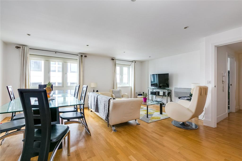 2 Bedrooms Flat for sale in Castle Court, Brewhouse Lane, Putney, London