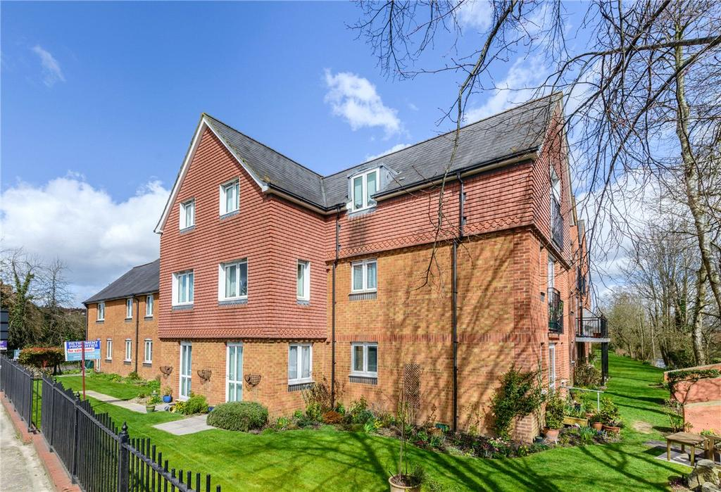 2 Bedrooms Apartment Flat for sale in Churchill Court, Kelham Gardens, Marlborough, Wiltshire, SN8