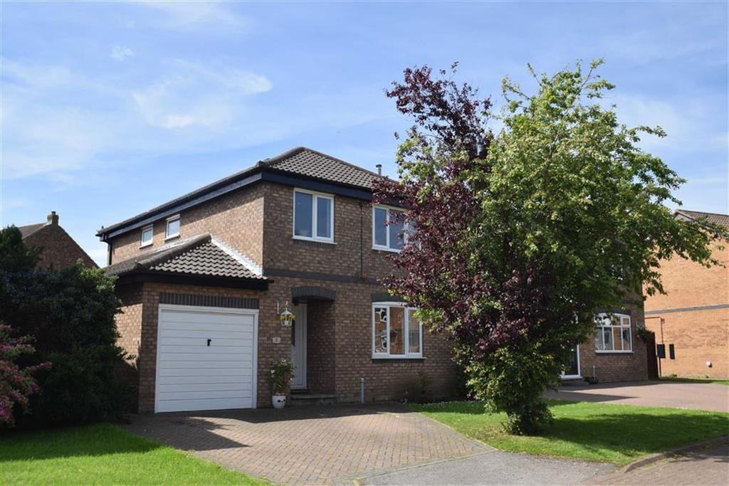 4 Bedrooms Detached House for sale in Sandpiper Close, Crossgates, North Yorkshire, YO12