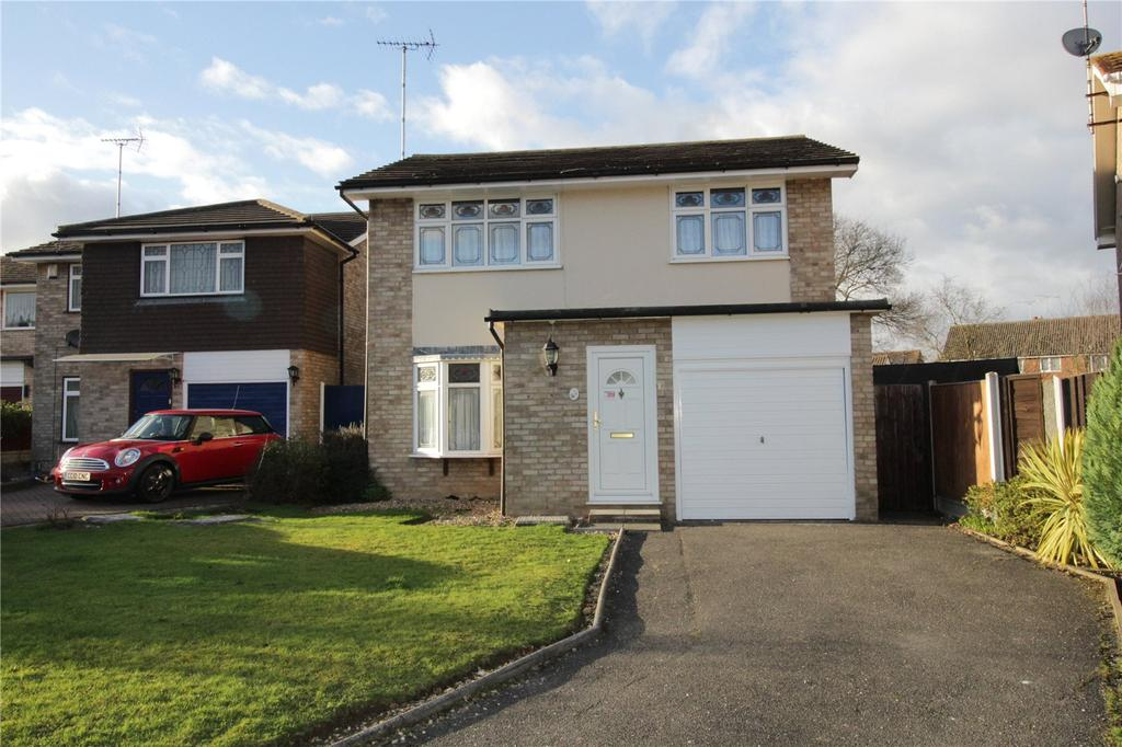 4 Bedrooms Detached House for sale in Somerset Road, Laindon, Essex, SS15