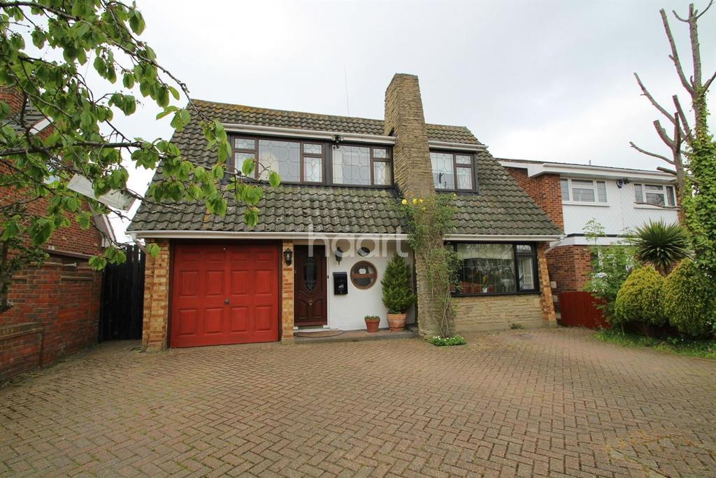 3 Bedrooms Detached House for sale in Railway Approach,