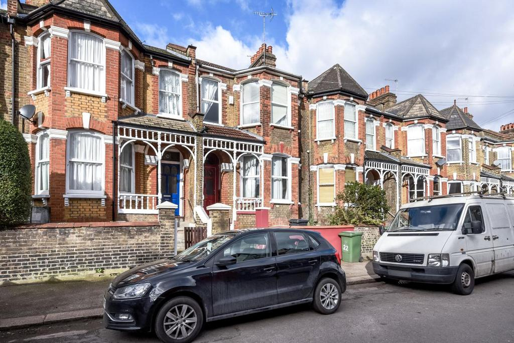 4 Bedrooms Terraced House for sale in Sandrock Road, Lewisham, SE13