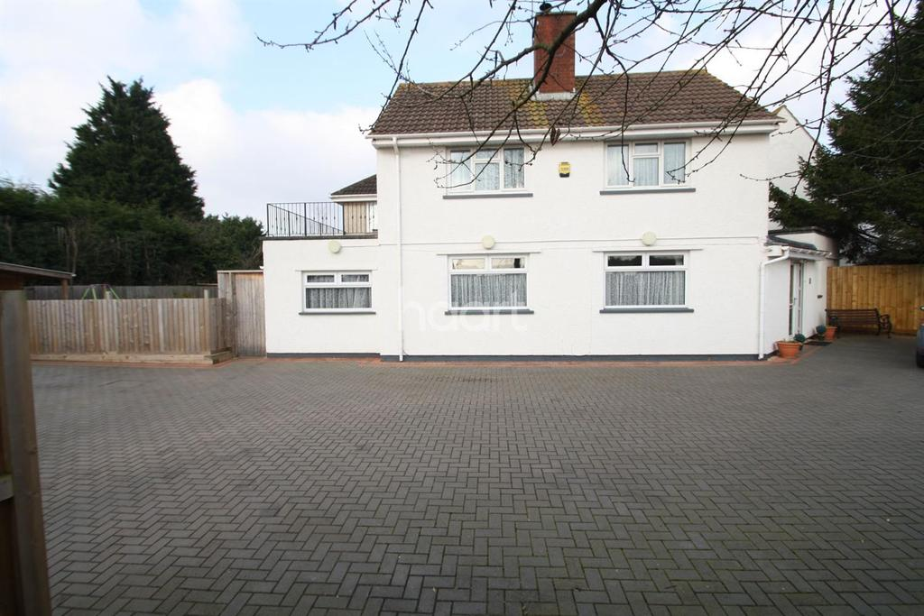 4 Bedrooms Detached House for sale in Hambrook Lane, Hambrook