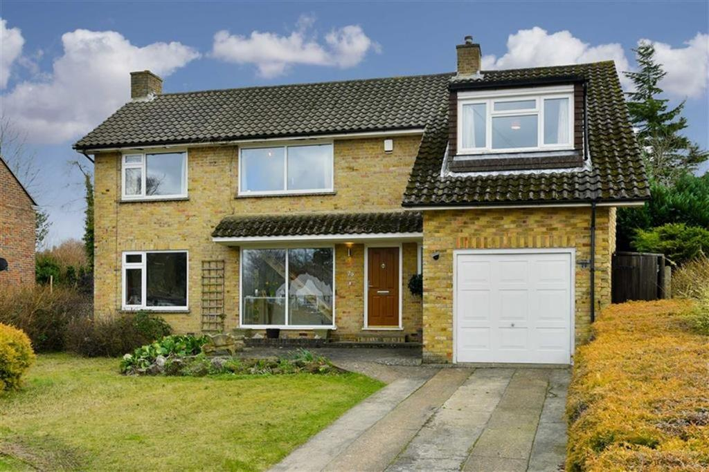 4 Bedrooms Detached House for sale in Larchwood Close, Banstead, Surrey