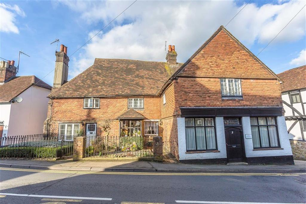 4 Bedrooms Semi Detached House for sale in Godstone Road, Old Oxted, Surrey