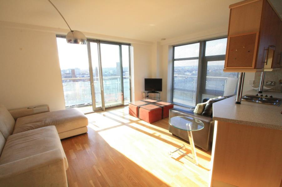 2 Bedrooms Apartment Flat for sale in 3, WHITEHALL QUAY, LEEDS, LS1 4BW