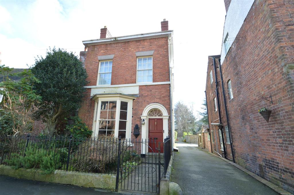 3 Bedrooms Detached House for sale in 71 High Street, Church Stretton, SY6 6BY