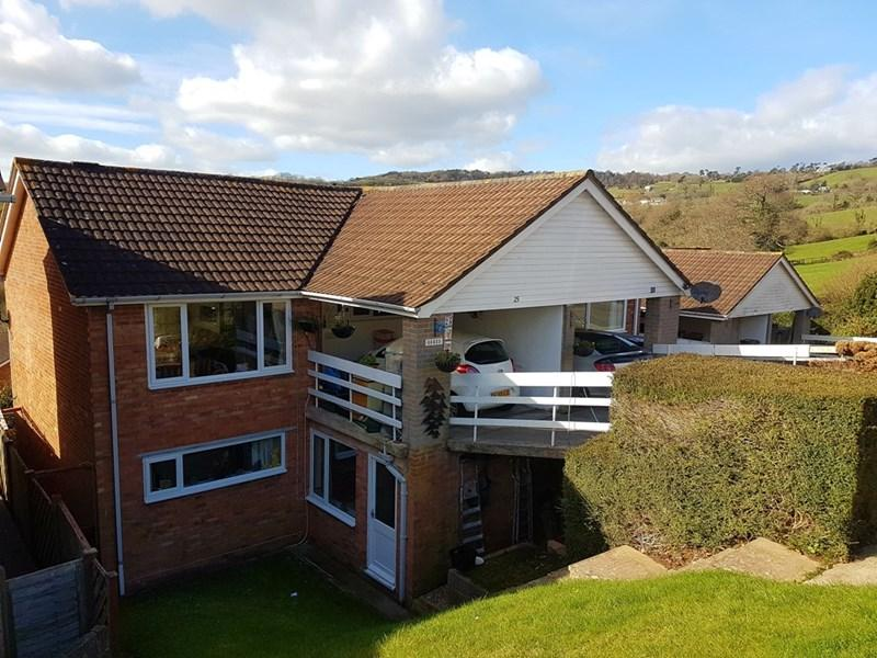 3 Bedrooms Semi Detached House for sale in Armada Drive, Teignmouth