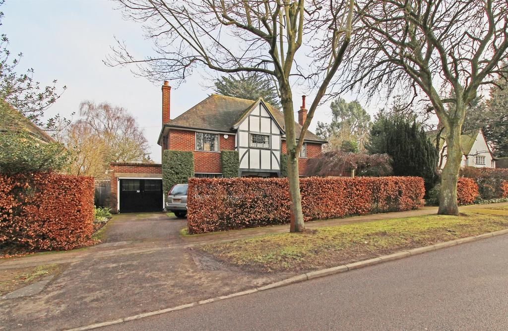 4 Bedrooms Detached House for sale in Willian Way, Letchworth Garden City, Hertfordshire