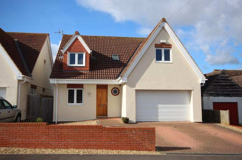 4 Bedrooms Detached House for sale in Tyning Road, Saltford, BRISTOL