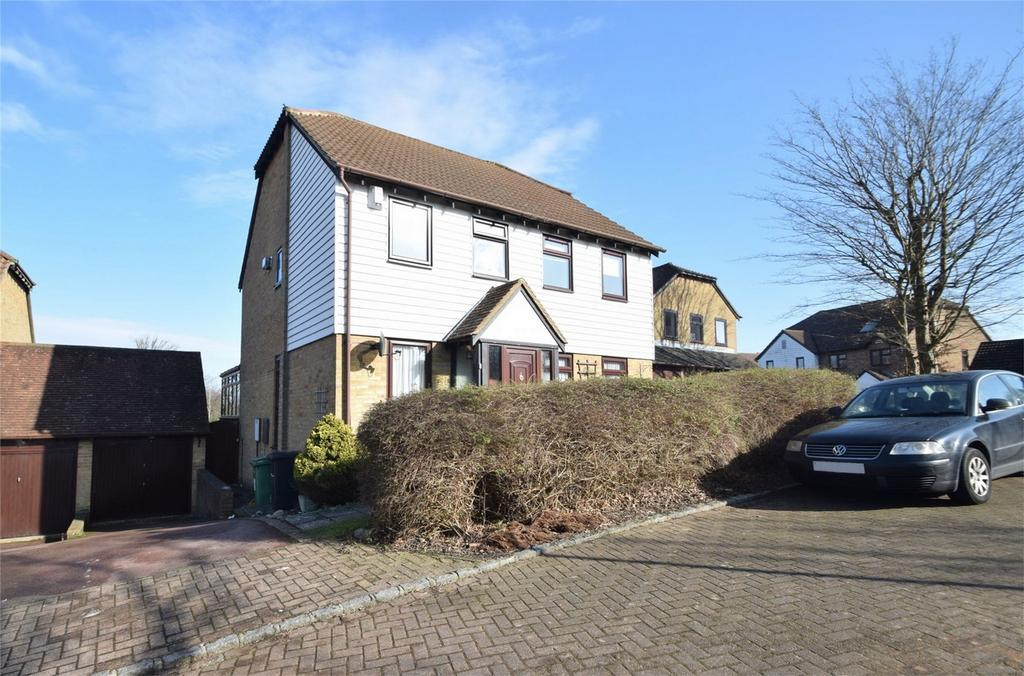 2 Bedrooms Semi Detached House for sale in Malus Close, Walderslade Woods, Kent