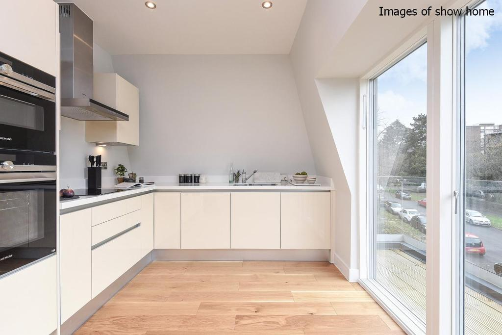 1 Bedroom Flat for sale in Harford Court, Palace Road, Streatham