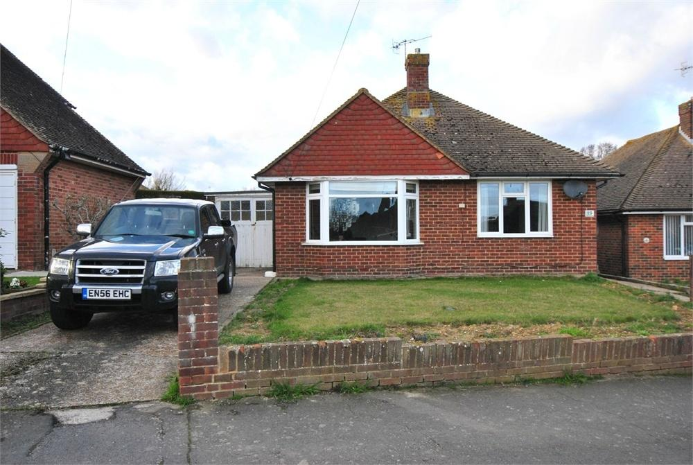 3 Bedrooms Detached Bungalow for sale in Deans Drive, BEXHILL-ON-SEA, East Sussex