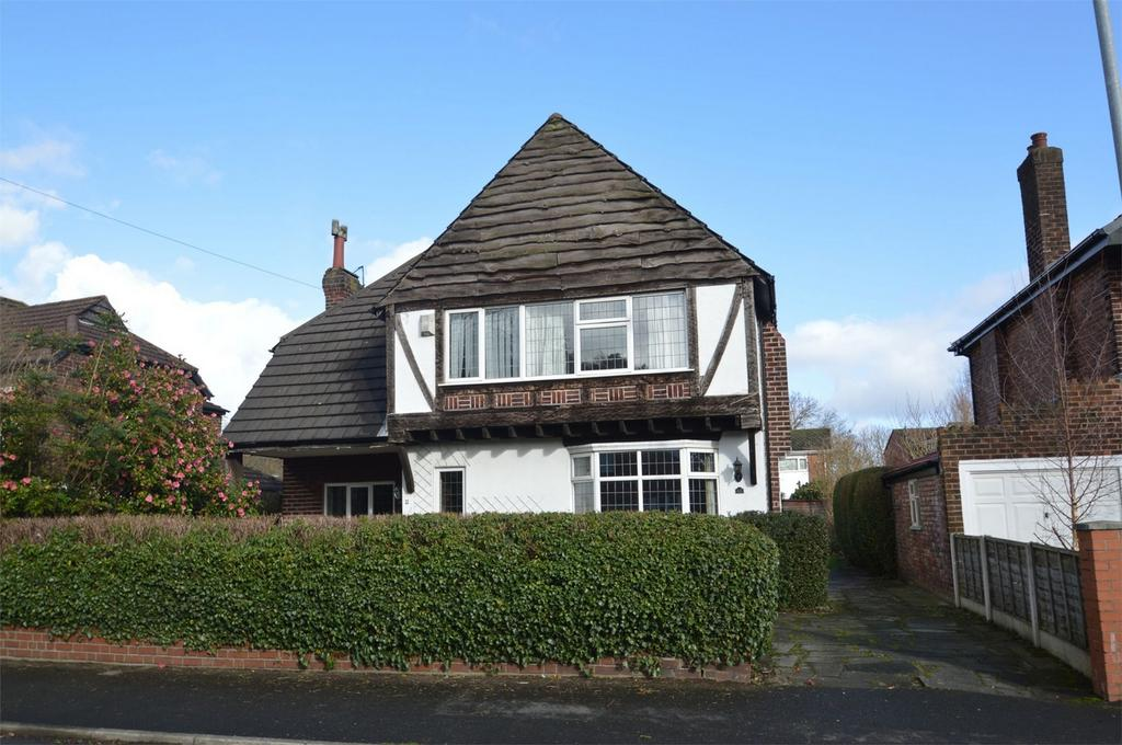3 Bedrooms Detached House for sale in Cranleigh Drive, Brooklands, SALE, Greater Manchester