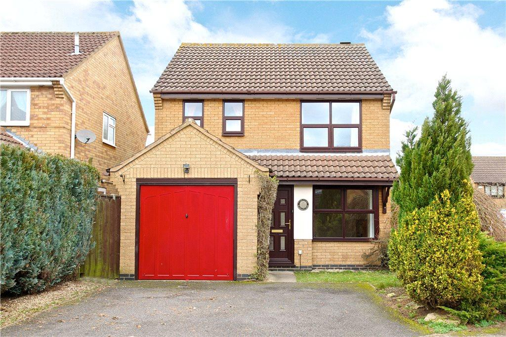 3 Bedrooms Detached House for sale in Hollow Wood, Olney, Buckinghamshire
