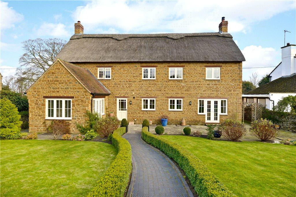 4 Bedrooms Detached House for sale in Malzor Lane, Milton Malsor, Northampton, Northamptonshire