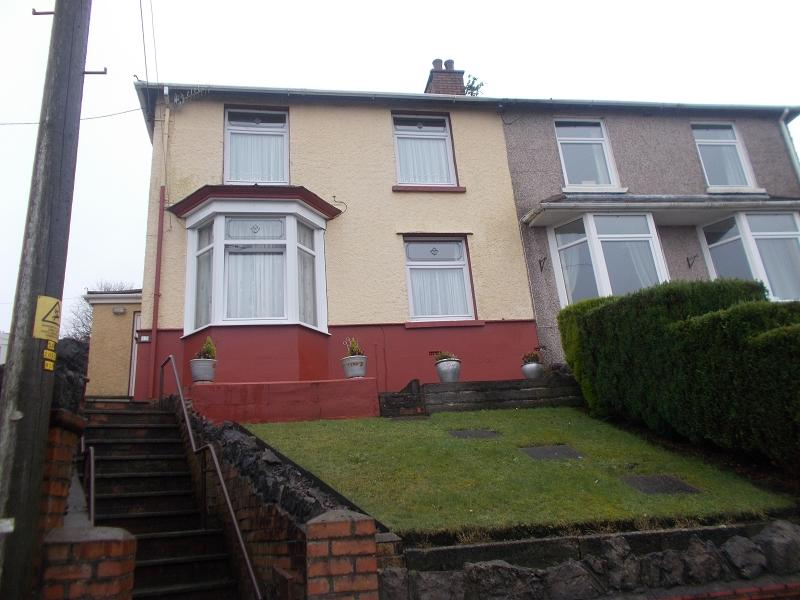 3 Bedrooms Semi Detached House for sale in Danygraig Road, Neath, Neath Port Talbot.