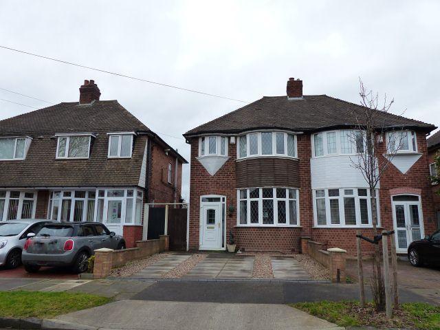 3 Bedrooms Semi Detached House for sale in Hollydale Road,Erdington,Birmingham