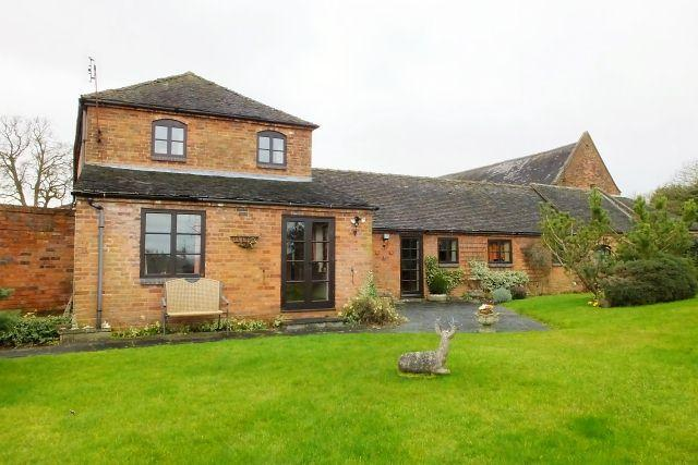2 Bedrooms Barn Conversion Character Property for sale in Old Barnhouse Mews,Hill Top,Longdon
