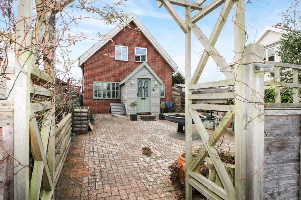 3 Bedrooms Detached House for sale in Framlingham, Suffolk