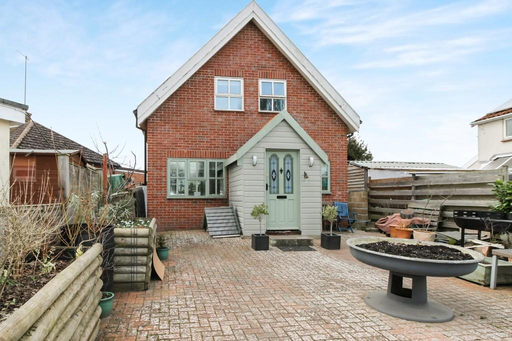 3 Bedrooms Detached House for sale in Framingham, Suffolk