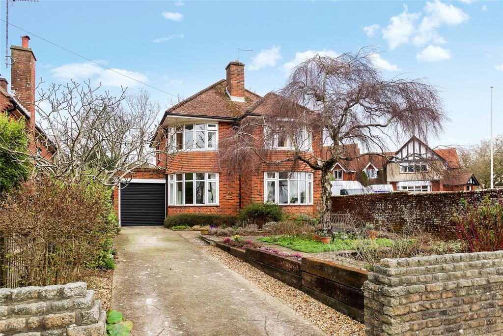3 Bedrooms Detached House for sale in Dorchester, Dorset