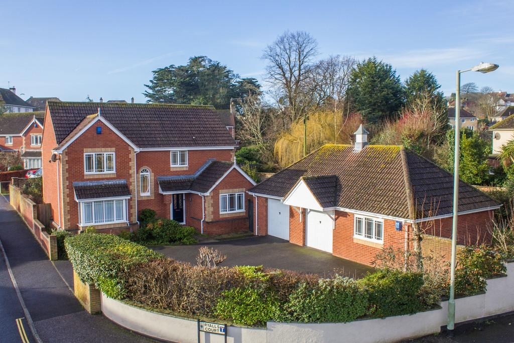 4 Bedrooms Detached House for sale in Ryalls Court, Seaton