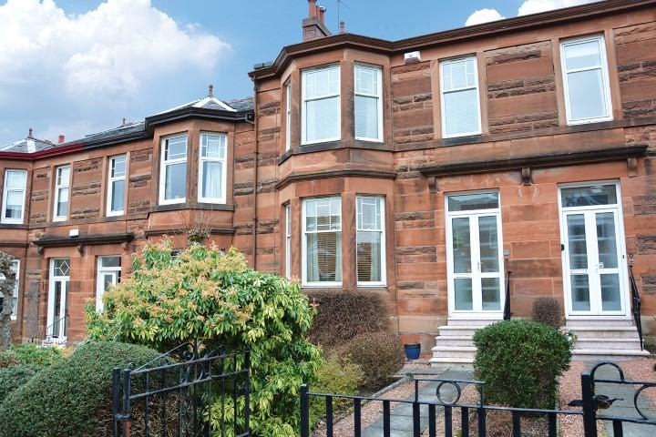 4 Bedrooms Terraced House for sale in 37 Deanwood Avenue, Netherlee, G44 3RQ