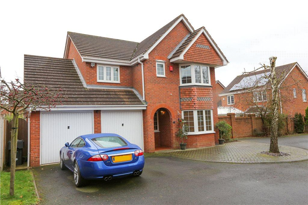 4 Bedrooms Detached House for sale in Appletrees Crescent, Bromsgrove, B61