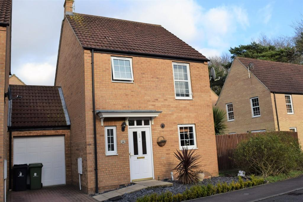 3 Bedrooms Detached House for sale in Sycamore Covert, Thetford