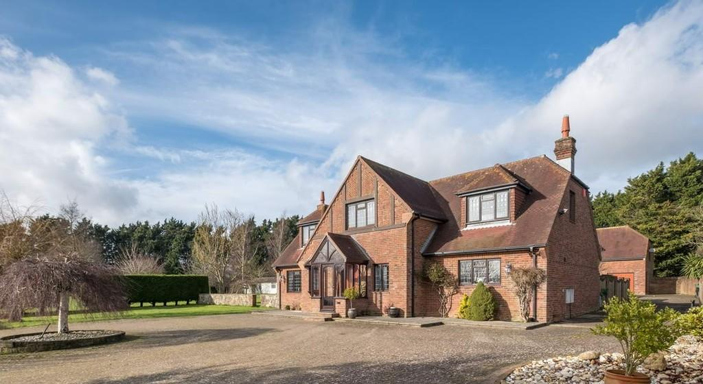 5 Bedrooms Farm House Character Property for sale in Brading, Isle of Wight