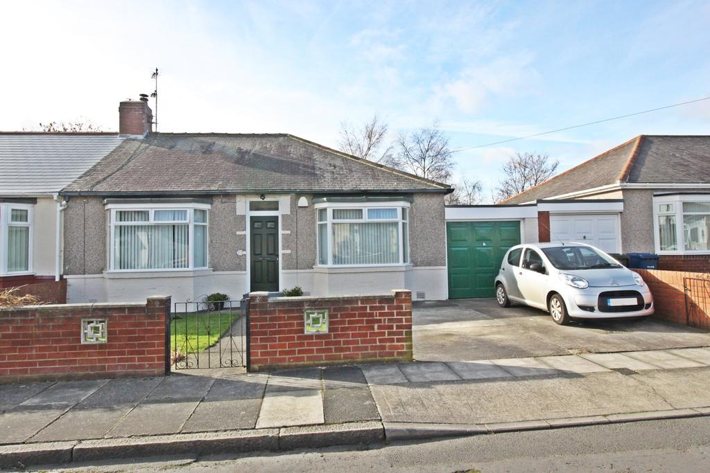 2 Bedrooms Bungalow for sale in Broomfield Avenue, Walkerville, Newcastle Upon Tyne