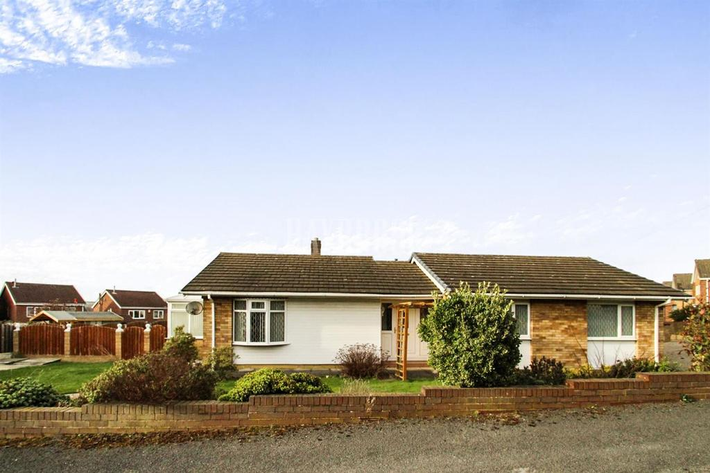 3 Bedrooms Bungalow for sale in Summer Road, Royston
