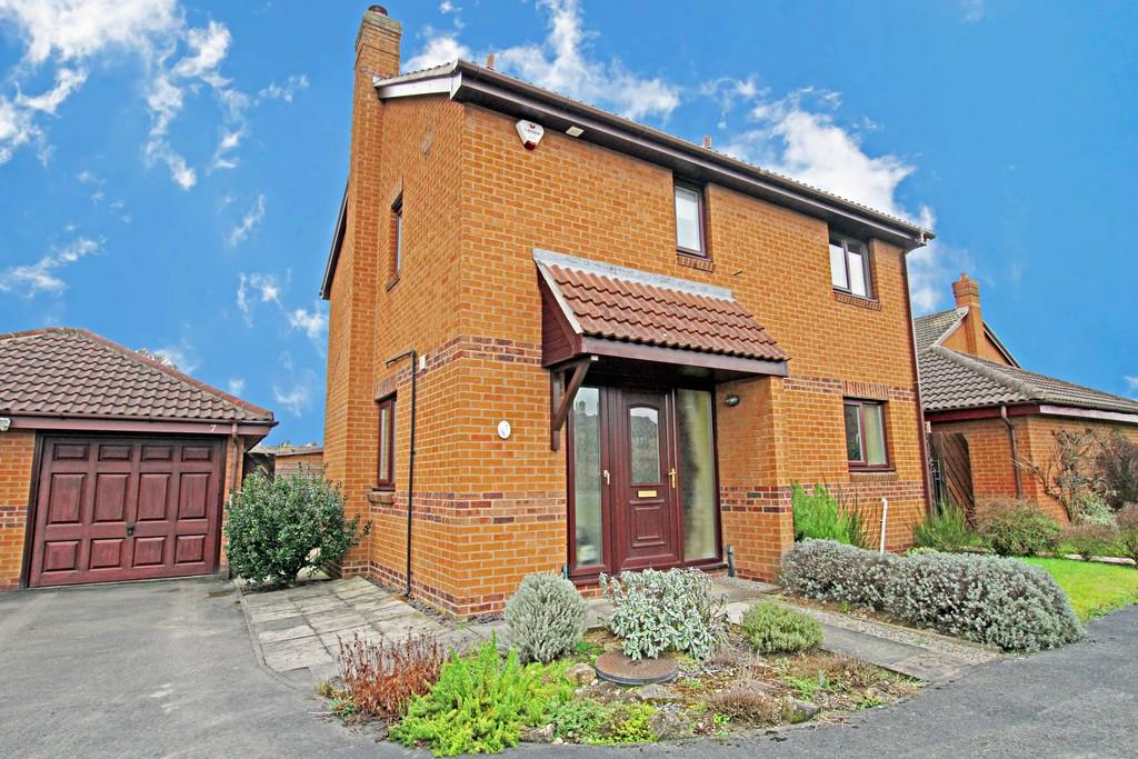 3 Bedrooms Detached House for sale in Cranwell Road, Cantley, Doncaster, DN4 6ER