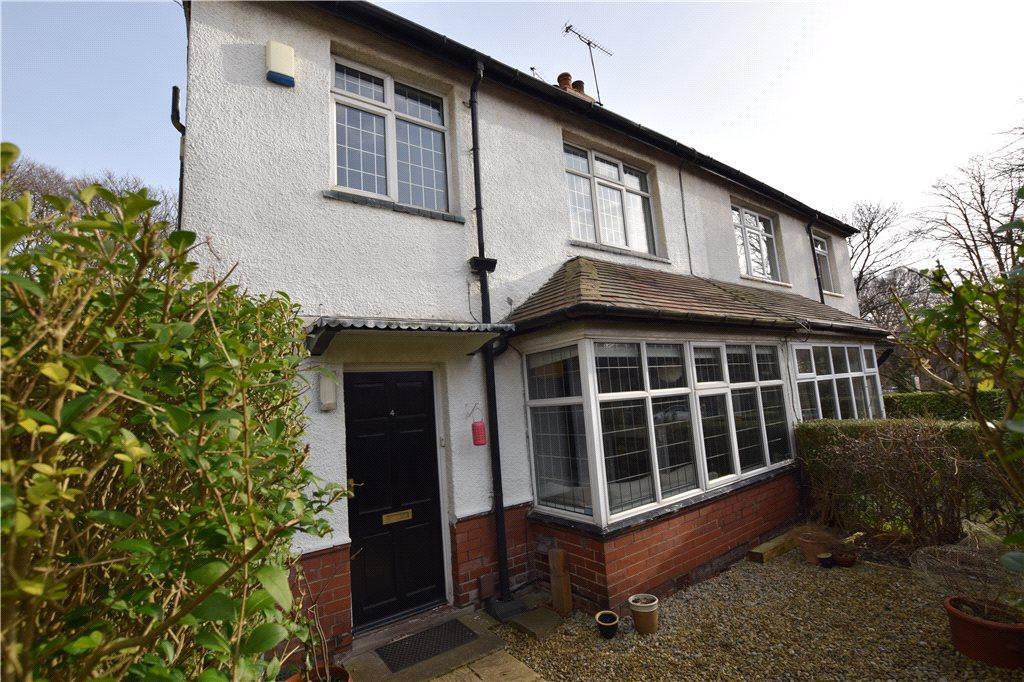 3 Bedrooms Semi Detached House for sale in Moor Park Villas, Headingley, Leeds, West Yorkshire